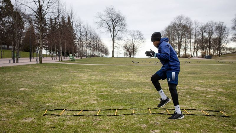 The timing of restrictions called time on the final games of the basketball and ice hockey seasons, and now impacts the beginning of football and Finnish baseball. Some clubs like Helsinki football team HJK have been able to retain all their players albeit with time-limited pay cuts. HJK Player Luis Carlos Murillo is self-training in Kaivopuisto.